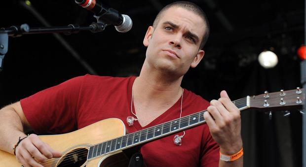 3517155_2016_mark_salling_morto_glee