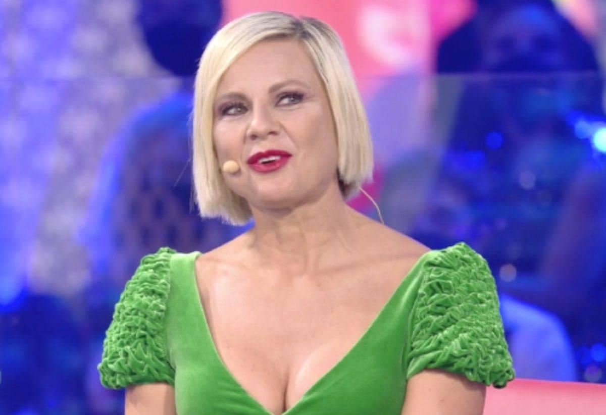 """Antonella Elia, l'addio a Pietro Delle Piane in diretta al GFVip. Lui  """"risponde"""" su Instagram – Curiosità del Web"""